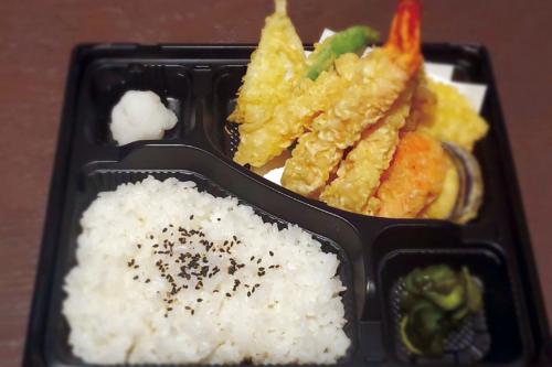 海老と季節野菜の天ぷら弁当